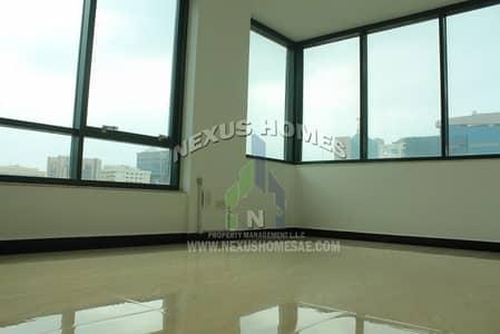 شقة 1 غرفة نوم للايجار في شارع حمدان، أبوظبي - 1Bedroom Apartment Available for Rent in Hamdan St