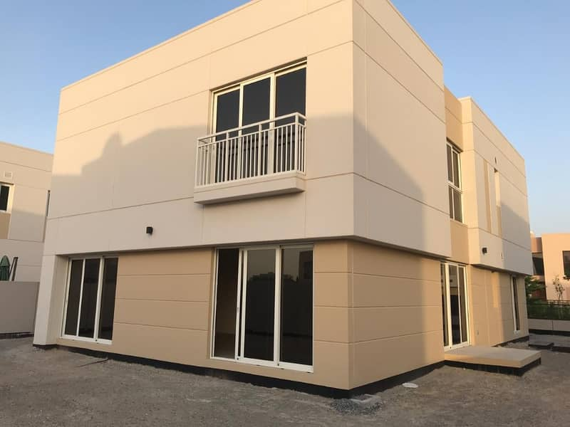 Beautiful new villa in bright Sharjah for rent