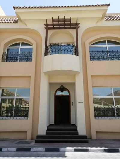 فیلا 6 غرفة نوم للايجار في بين الجسرين، أبوظبي - Luxury 6 Bedrooms Villa in Compound with Gym Pool