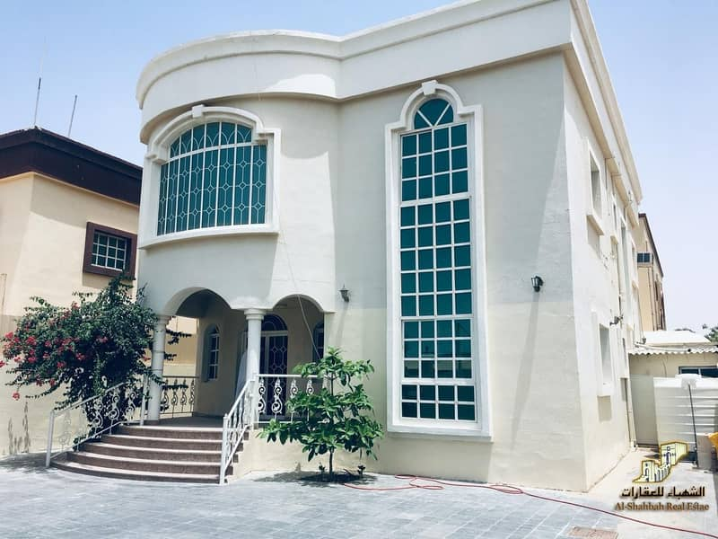 2 5 Bed Room Hall Villa with Majlis for rent
