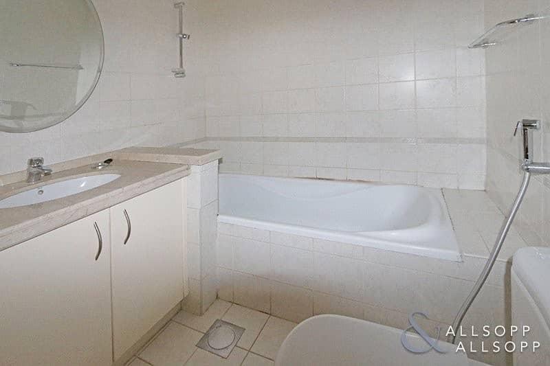 10 Corner Unit | 1 Bedroom | Private Balcony