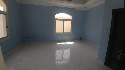 فیلا 5 غرفة نوم للايجار في الورقاء، دبي - غرفة سرير/قاعة/خادمة لطيفة ونظيفة 5 فيلا مستقلة للإيجار في الورقاء-4