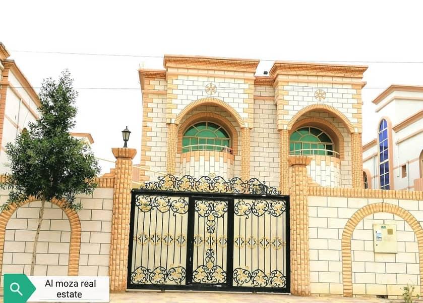 فيلا فاخرة 4 غرف نوم / 2 قاعة / مجلس فيلا متاحة للإيجار في شارع الشيخ عمار.