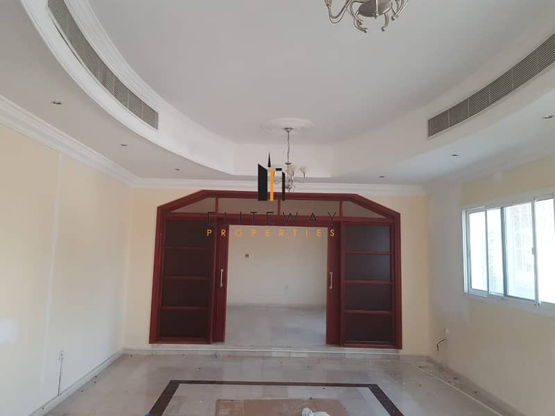 2 Lovely 6 bhk Villa with private parking