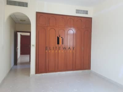 Lovely 6 bhk Villa with private parking