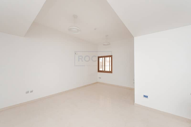 2 Gorgeous Studio Apartment Near Jumeirah Beach Road | Umm Suqeim 2
