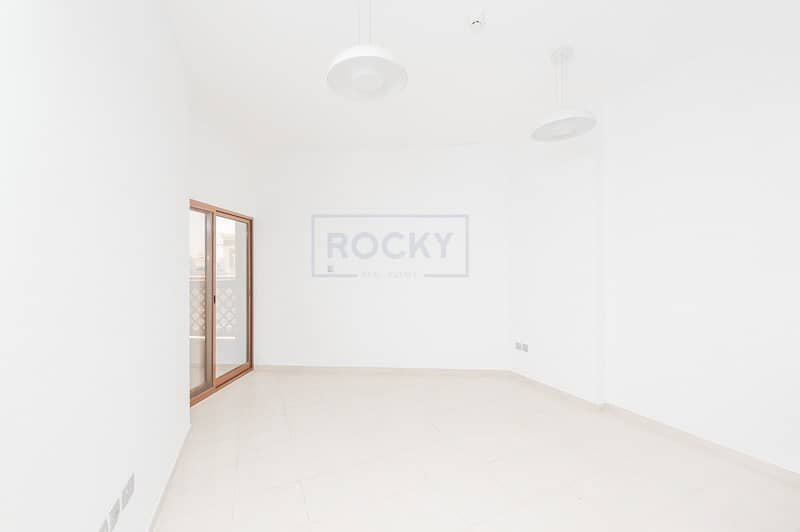 1 B/R with Balcony Apartment Near Jumeirah Beach Road | Umm Suqeim 2