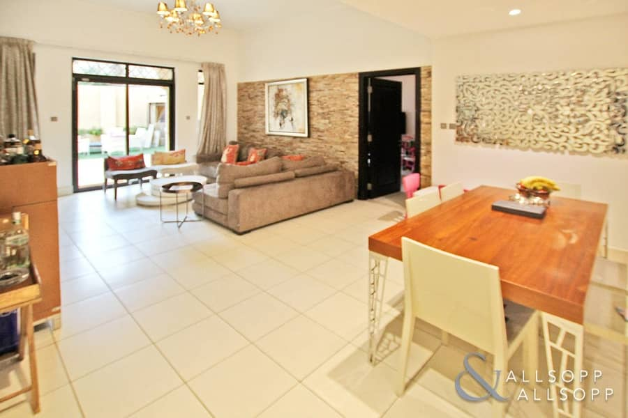 2 Three Bedrooms | Garden Apartment | VOT
