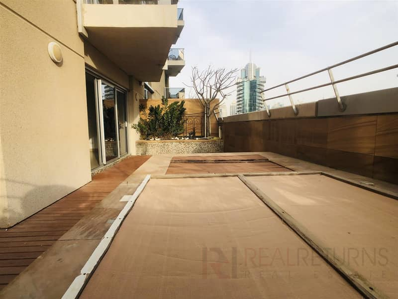 2 Large 2 bed Marina Views + Jacuzzi [SS]