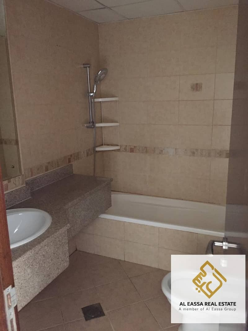 20 *Nice 2BHK Ready to move in Flat in DSO*