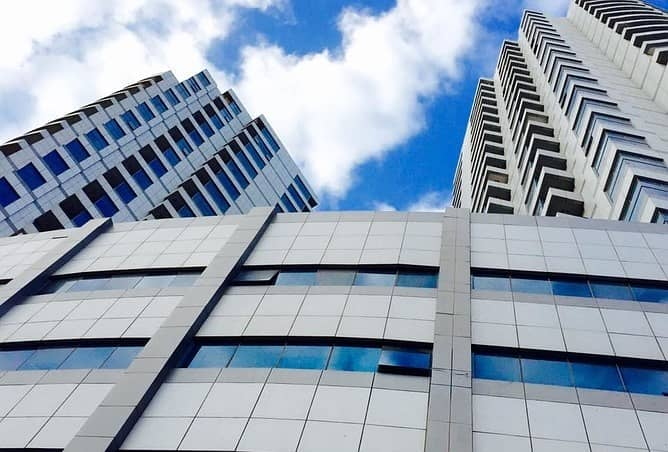 مساحات مكتبية كبيرة متاحة للبيع في برج فالكون عجمان . 250000