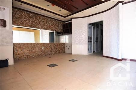 محل تجاري  للبيع في أبراج بحيرات جميرا، دبي - Fitted retail for sale in Damac Lake View