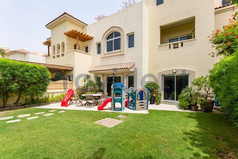 Nice 5Bed+M Triplex Freehold Dream Home