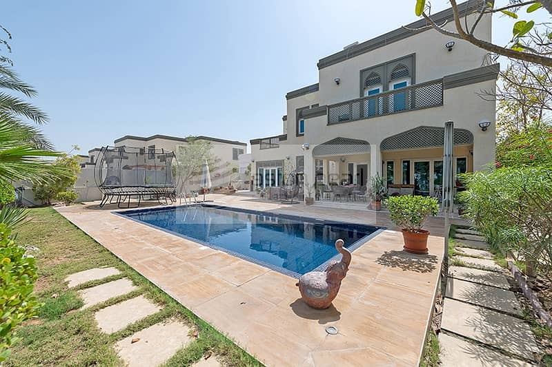 2 EXCLUSIVE | Large Plot with Private Swimming Pool