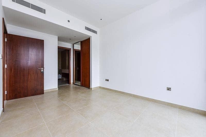 2 High Floor One Bedroom in Amazing Location