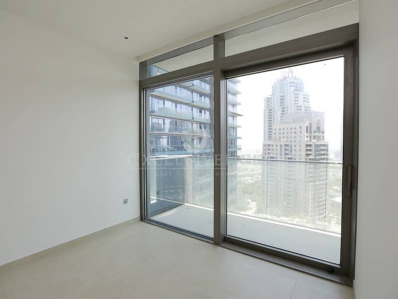 10 Super One Bedroom Apt with Stunninig Views