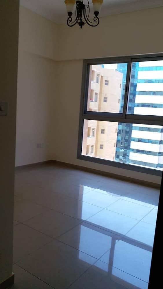 شقة في البرشاء 1 البرشاء 2 غرف 63000 درهم - 4101498