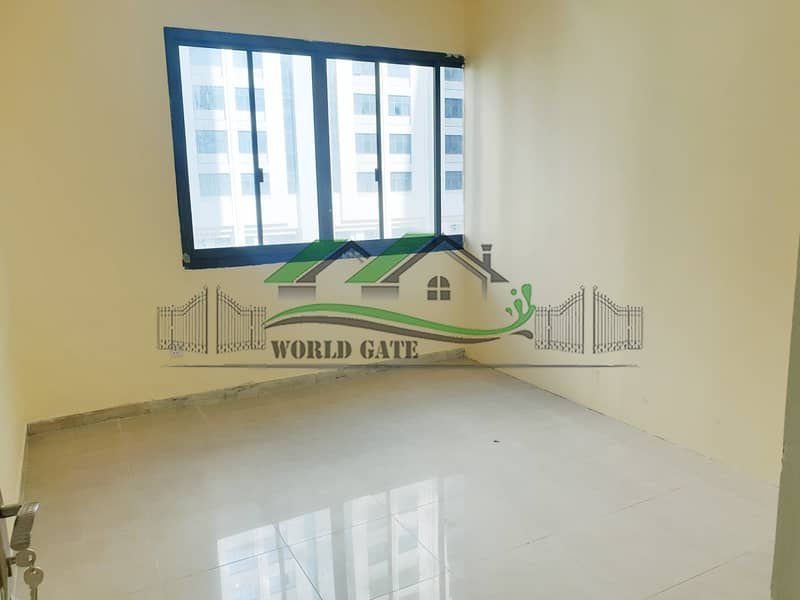 2 2BHK W/ BALCONY ON A VERY LOW PRICE!
