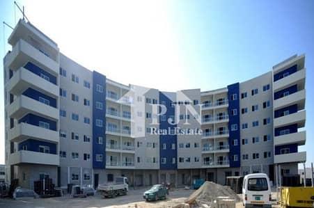 فلیٹ 3 غرفة نوم للبيع في الريف، أبوظبي - Alluring 3+Maid For Sale In Reef Downtown...