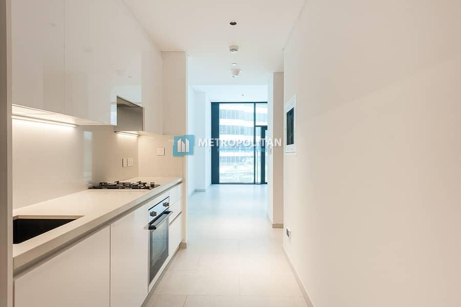 2 Bright Studio | Fully Fitted Kitchen | Burj Khalifa View