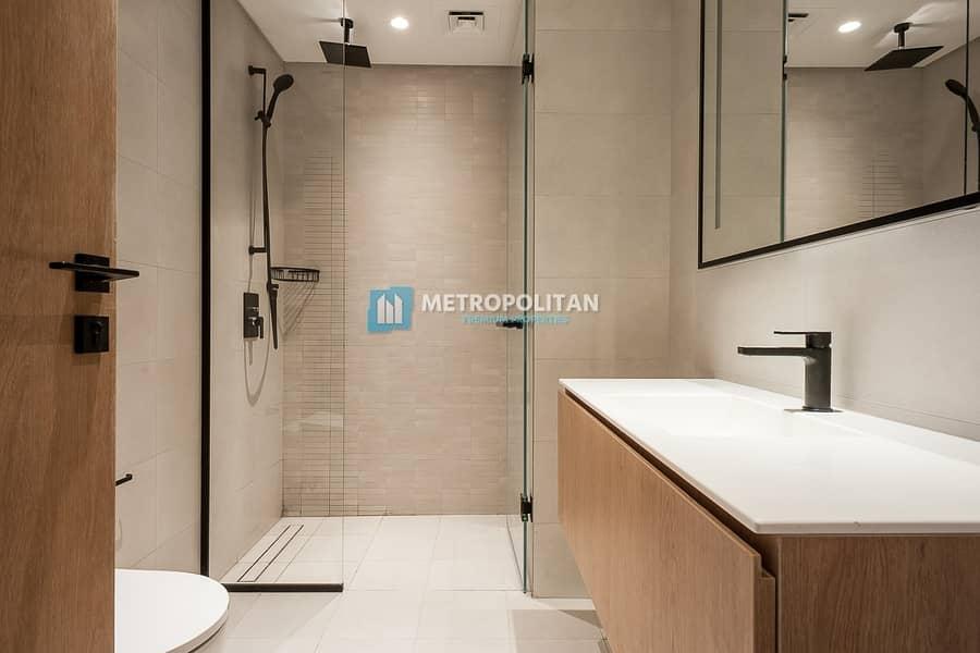 19 Luxury 1 Bedroom with Burj Khalifa Views