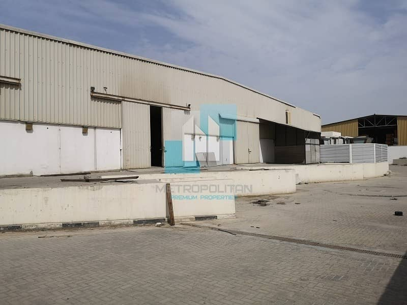 2 Large Warehouse available now - Al Quoz4 for sale