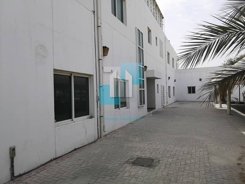 15 Large Warehouse available now - Al Quoz4 for sale