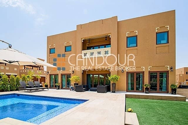 Swimming Pool | Stunning Villa for Sale