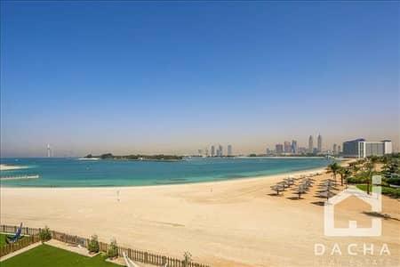 فیلا 5 غرفة نوم للايجار في نخلة جميرا، دبي - Best price sea facing 5 bed in the market....call now