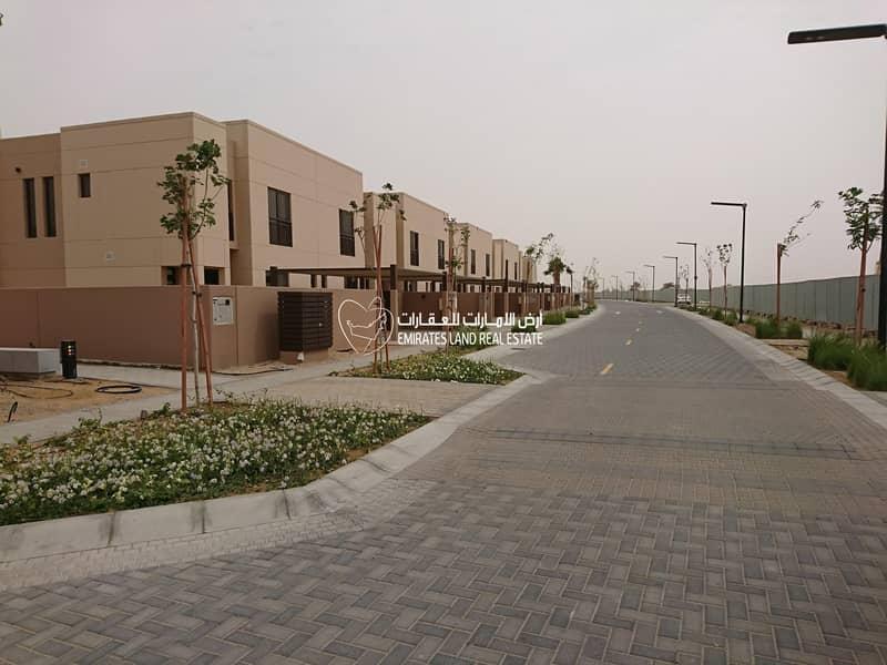 Ready 3 Bedroom Townhouses  in Al Nargis - Al Zahia