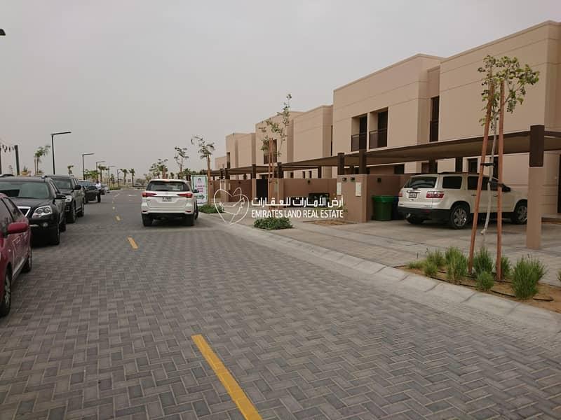 Ready 4 Bedroom  Townhouse - Al Narjis -  Al Zahia