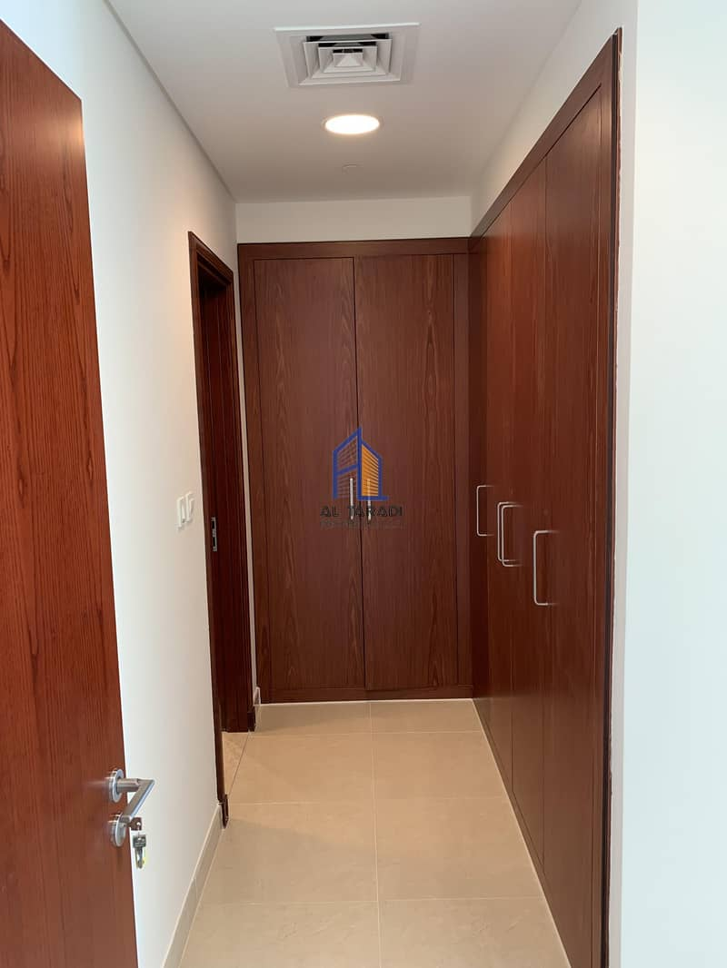 10 Available Now!! Beautiful 2 Bed Room Plus Maids Apartment In Marina Sunset