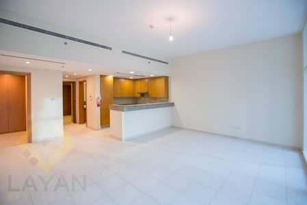 Studio for Rent in Business Bay, Dubai - Terraced studio / Monthly contracts to fulfill your exceptional needs
