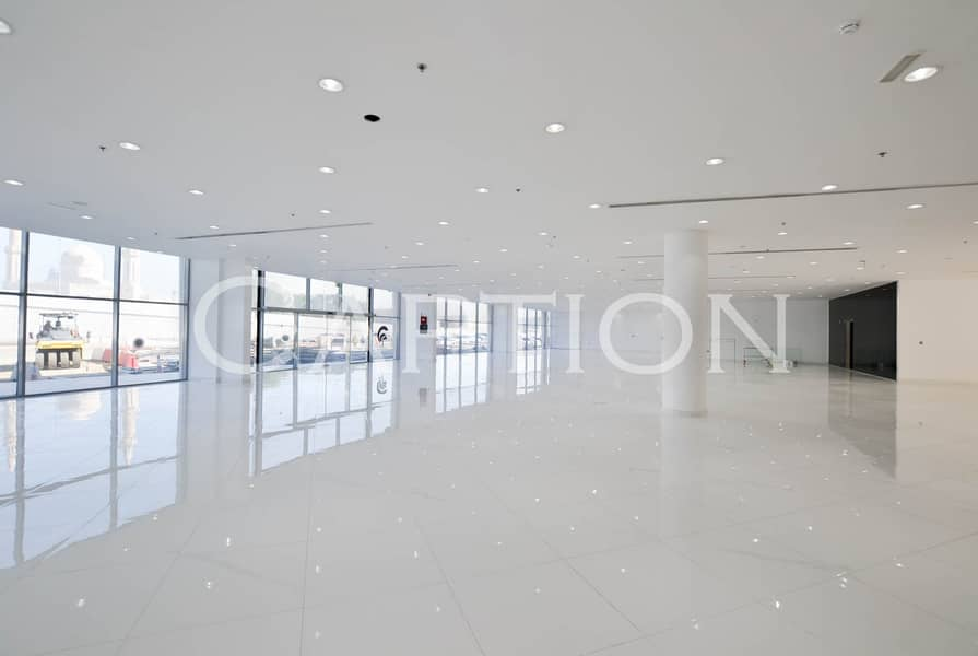 2 Fitted Showroom. Ideal location. Sheikh Zayed road