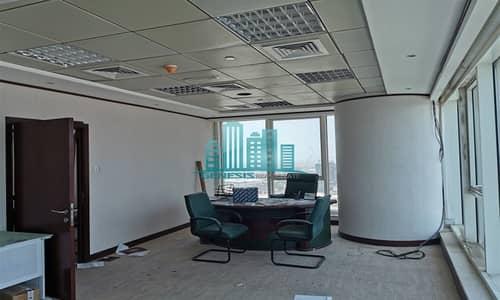 مکتب  للايجار في الخليج التجاري، دبي - Spacious Office in Churchill Tower
