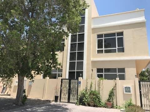 شقة في شارع القرم القرم 40000 درهم - 4116859