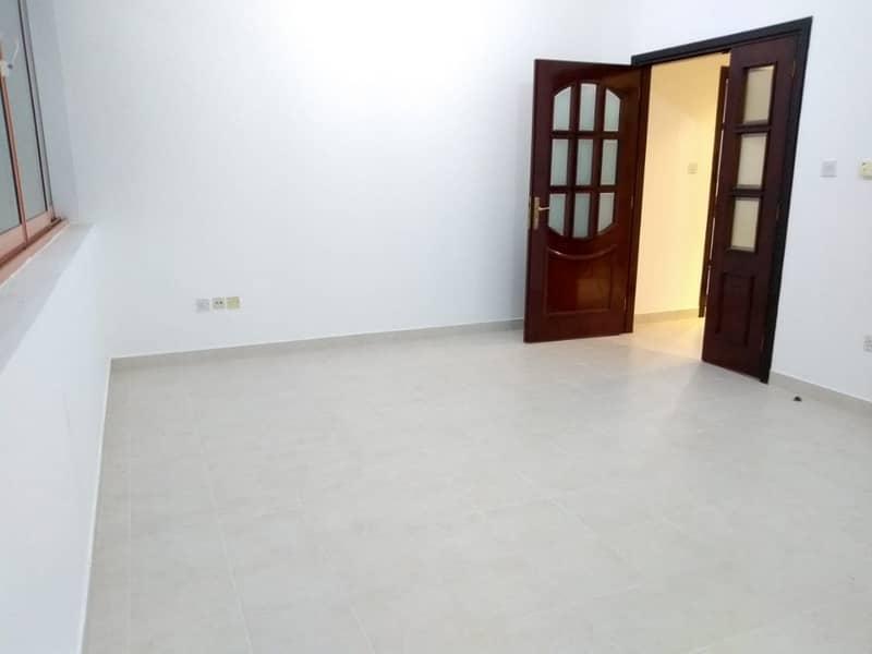 شقة في شارع الفلاح 2 غرف 50000 درهم - 4116898