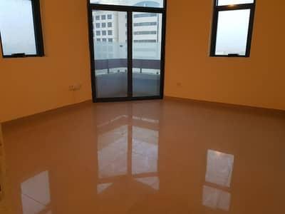 شقة في شارع الفلاح 3 غرف 75000 درهم - 4116905