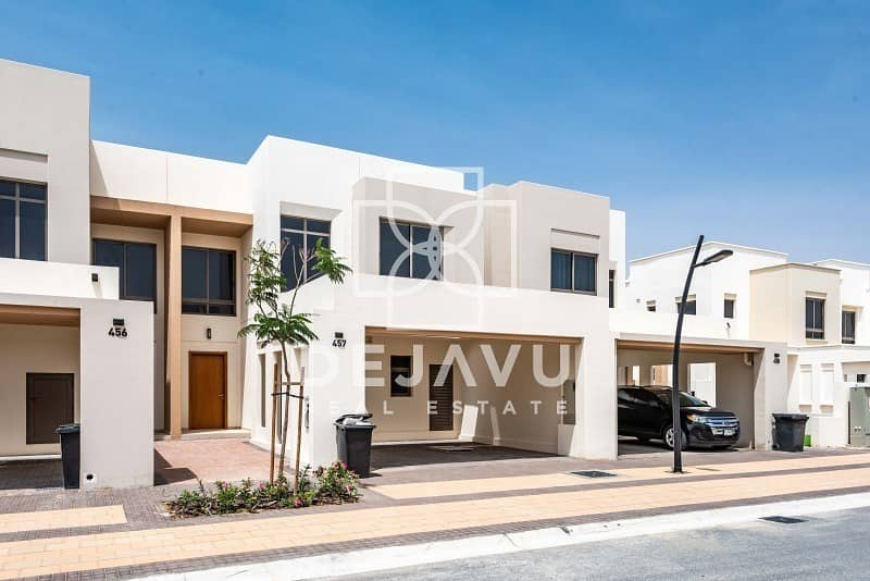 Upgraded 3 Beds Hayat Townhouse with ready garden