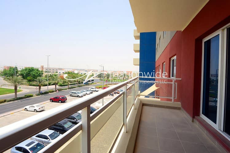 10 Hot Deal! Big Family Home with Maid's Room