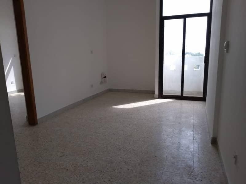 شقة في شارع الفلاح 1 غرف 38000 درهم - 4117926