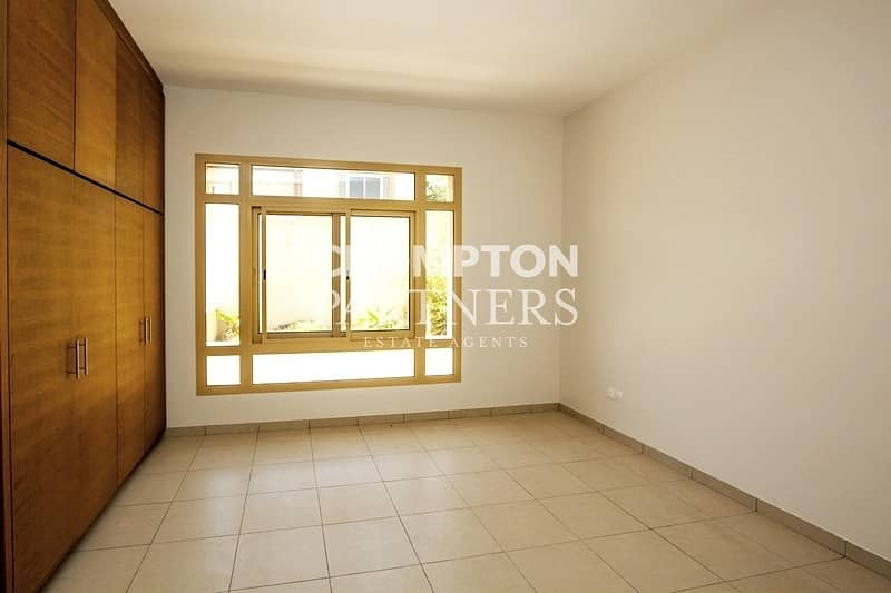 Lovely Villa with Private Pool and Garden! Great Facilities