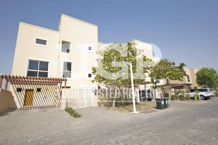 4 Bedroom Villa for Sale in Al Raha Gardens, Abu Dhabi - Spacious villa w/ Private Pool and Garden