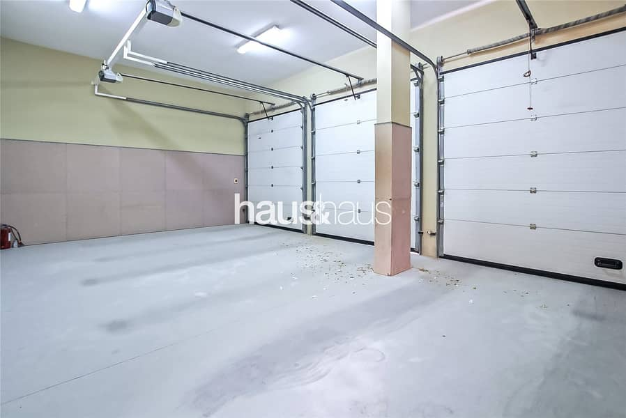 10 Genuine Listing | Motivated | Ready To Occupy