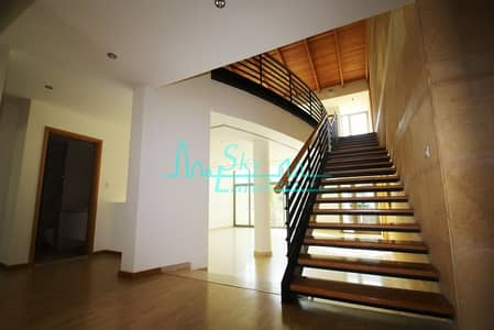 4 Bedroom Villa for Rent in Umm Suqeim, Dubai - UNIQUE HIGH CEILING MODERN 4BED+MAID'S VILLA WITH SHARED POOL