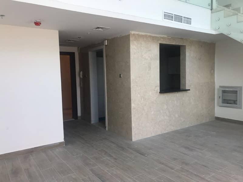 Impressive Duplex 1 Bedroom | Direct, 0% Commission!