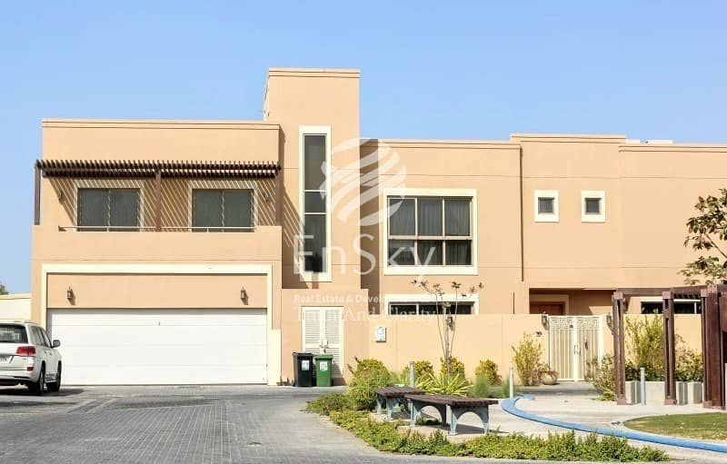 Amazing 3 Bedroom Townhouse Ready To Move In !