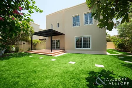 3 Bedroom Villa for Sale in The Lakes, Dubai - Upgraded   3 Bedrooms   Deema   The Lakes