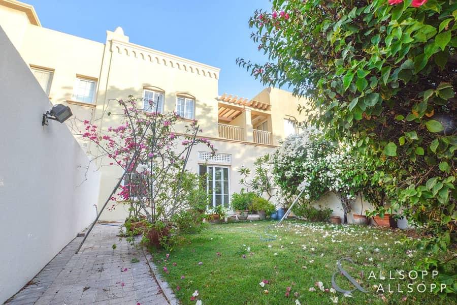 2 Bedroom Villa | 4M | Vacant on Transfer