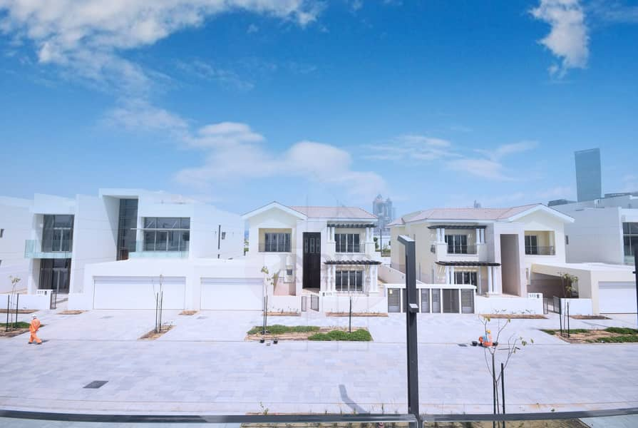 10 Ready to Move in Villa for Sale in District One MBR